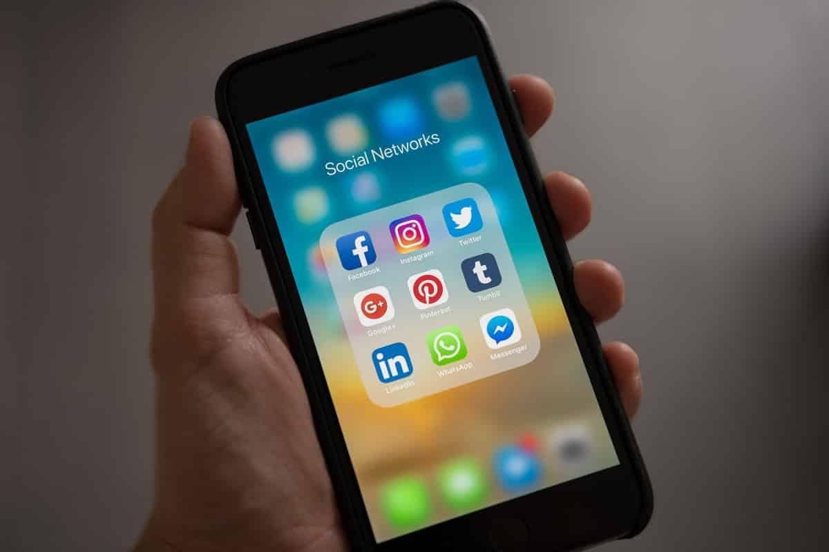 Monitoring Employees' Social Media Activity